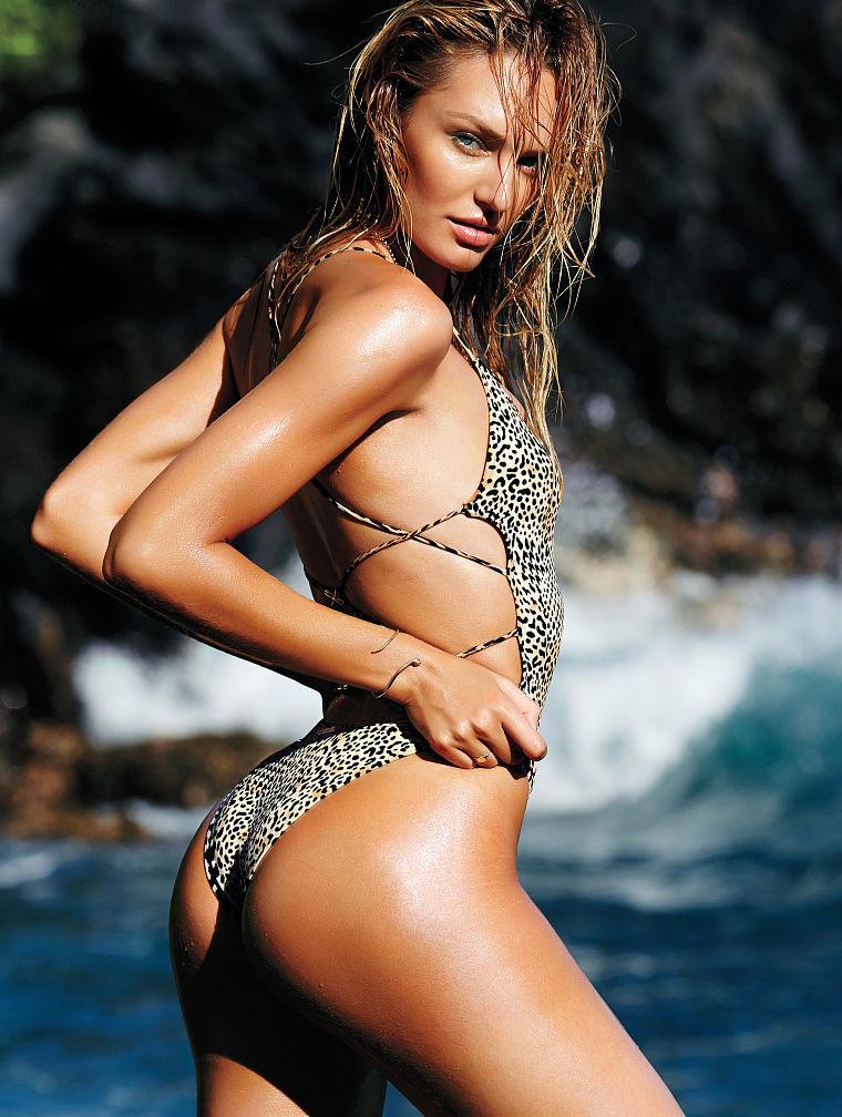 Модный слитный купальник: фото