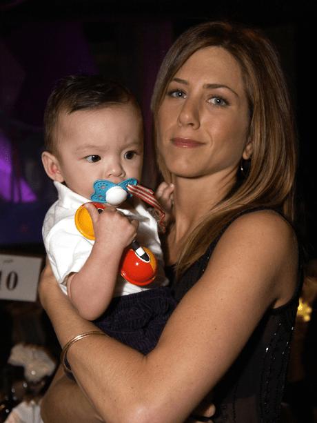 Дженнифер Энистон устала от вопросов о материнстве
