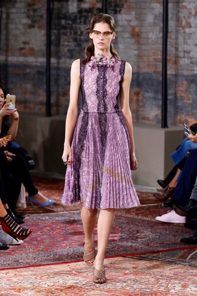 Дом Gucci представил новую круизную коллекцию 2016 | галерея [2] фото [37]