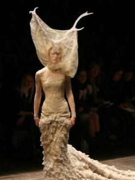 Модный дом Alexander McQueen будет жить