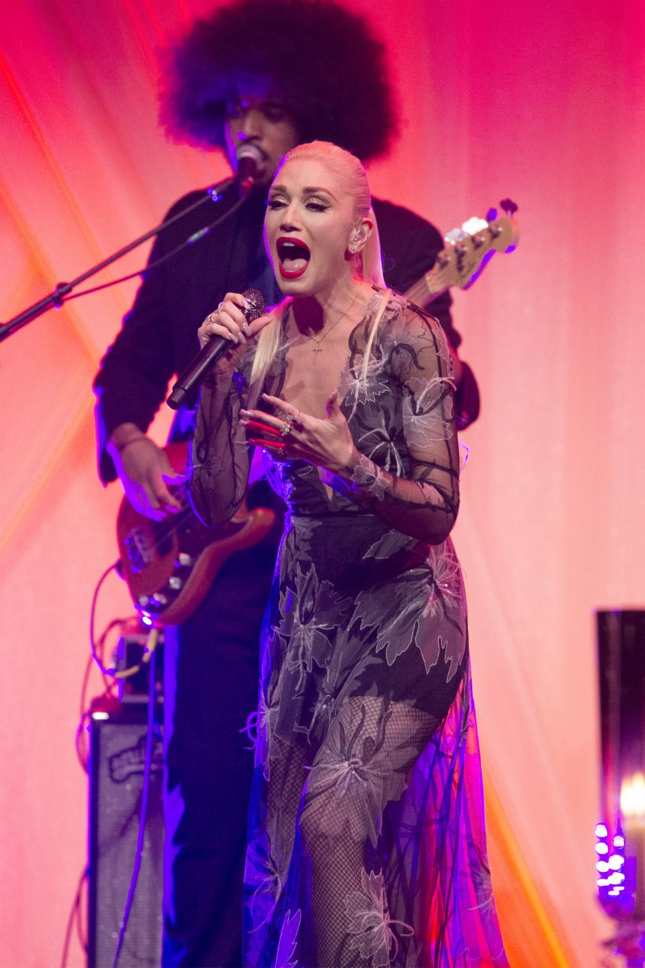 Гвен Стефани в платье российского дизайнера Юлии Яниной