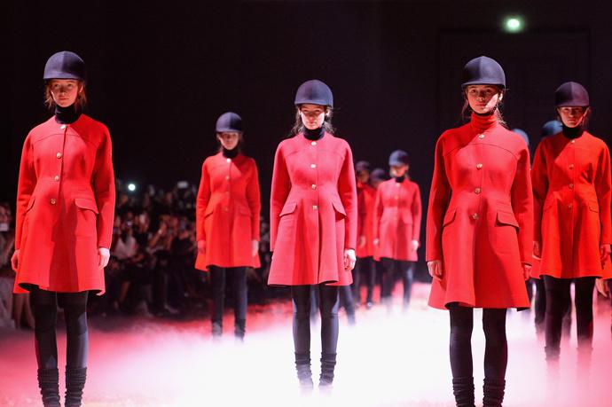 Неделя моды в Париже: показ Moncler Gamme Rouge осень-зима 2015/16