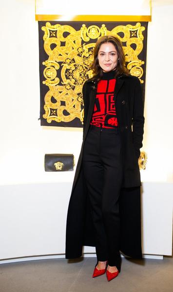 Селебрити на презентации осенней коллекции Versace | галерея [1] фото [3]
