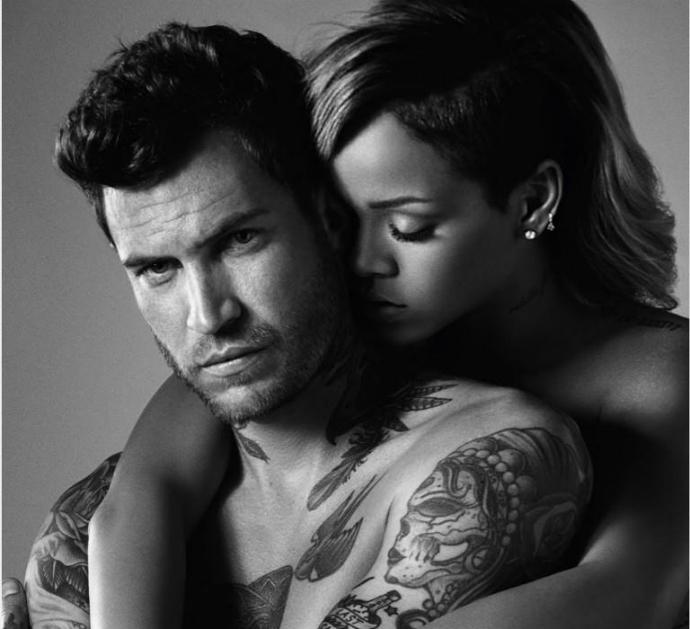Рекламная кампании мужского аромата Rouge Man от Rihanna