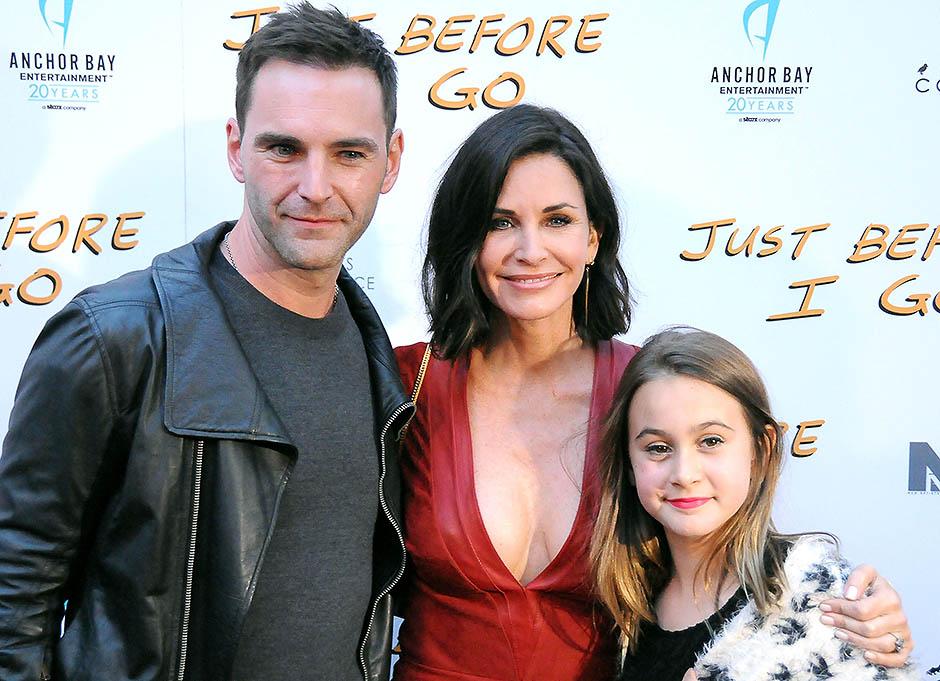 Кортни Кокс с дочерью Коко и женихом Джонни Макдейдом
