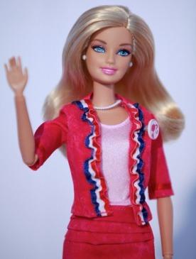 Британские дизайнеры создали наряды для Барби