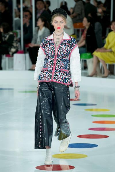 Показ круизной коллекции Chanel в Сеуле | галерея [1] фото [17]