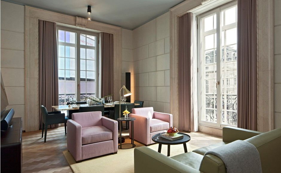 фото отеля Café Royal в Лондоне на IPad-управлении