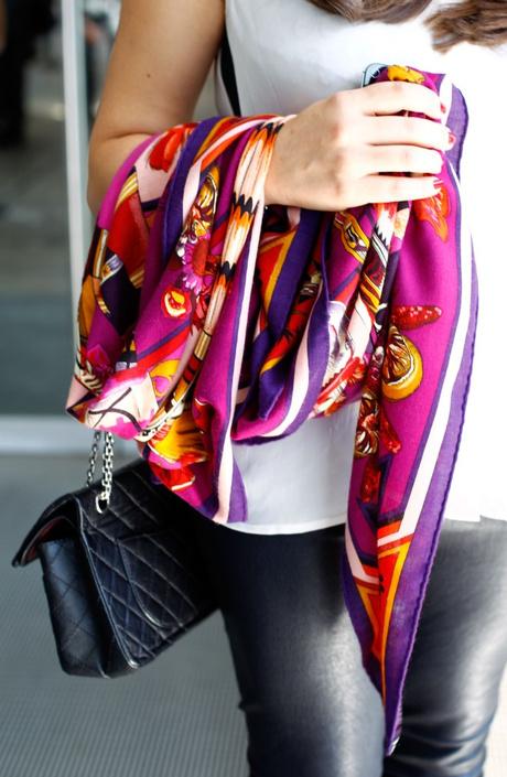 В Москве прошла лекция о платках Hermès