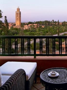 Вид из отеля La Mamounia  на медину и башню Кутубия