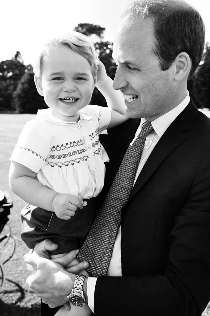 Принц Уильям с принцем Георгом