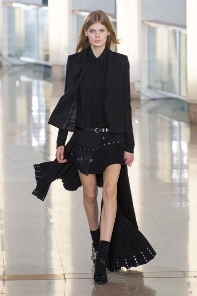 Показ Anthony Vaccarello на Неделе моды в Париже | галерея [2] фото [30]