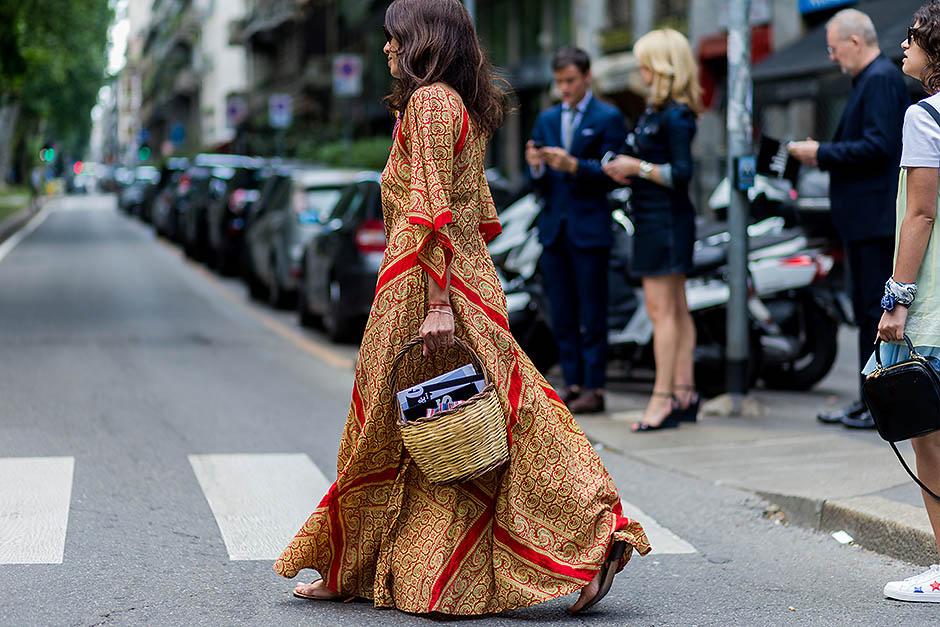 2. Платье с запАхом