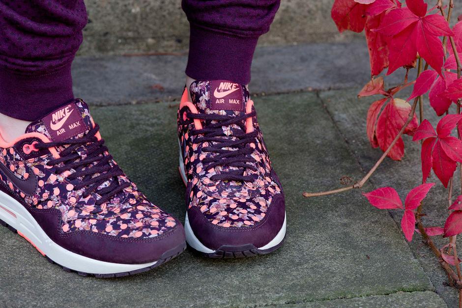 Коллекция Nike и Liberty London