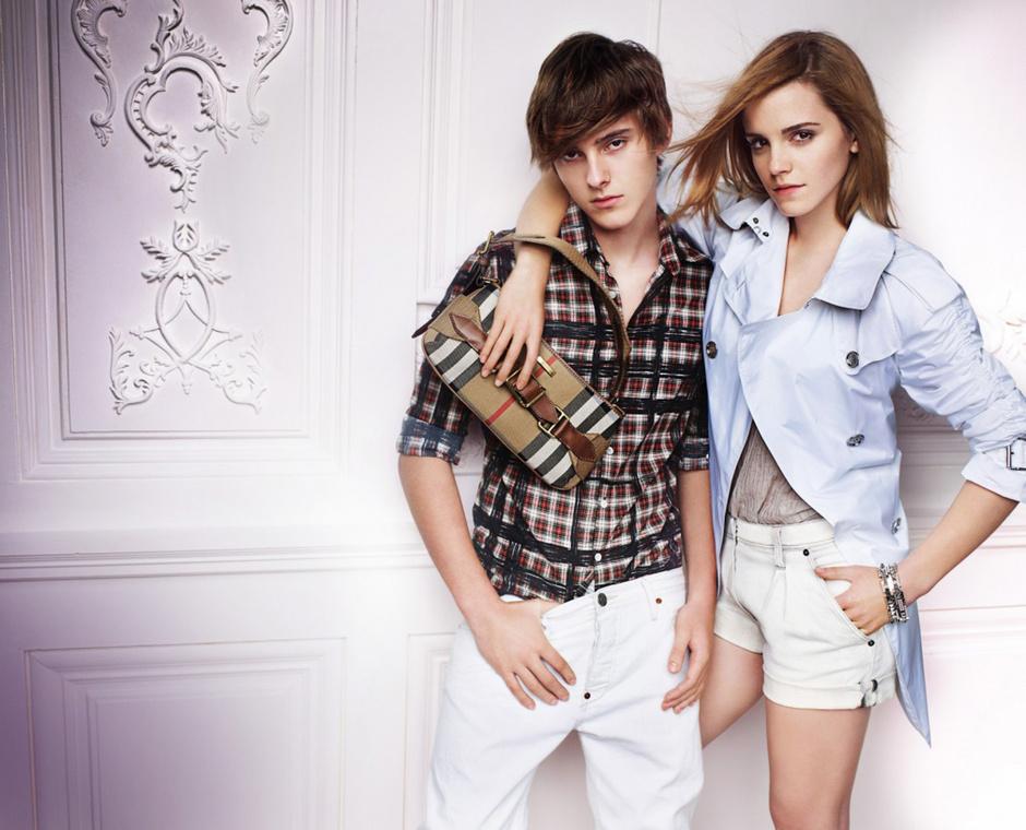 Алекс и Эмма Уотсон в рекламной кампании Burberry