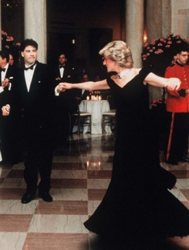 Принцесса Диана и Джон Траволта на приеме в Белом доме.