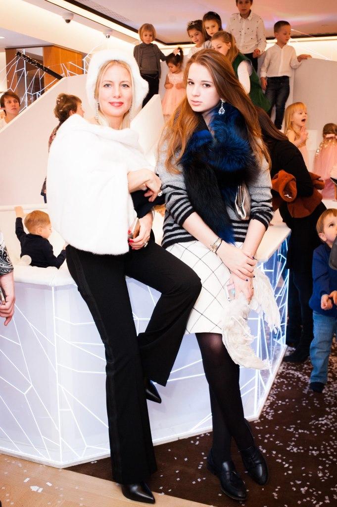 Светлана Захарова и Александра Маниович