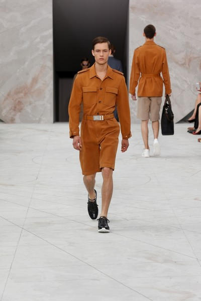 Показ Louis Vuitton на Неделе мужской моды в Париже