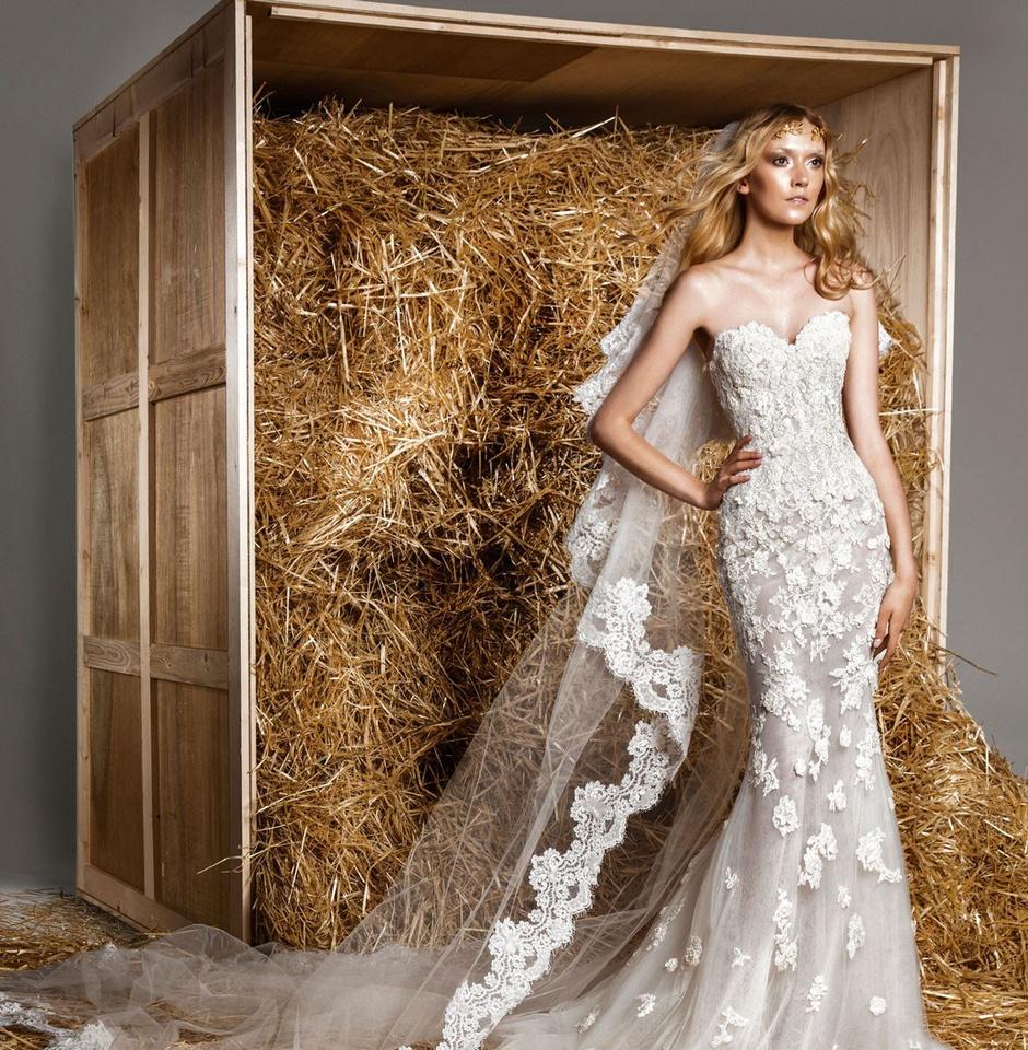 Белое свадебное платье с фатой