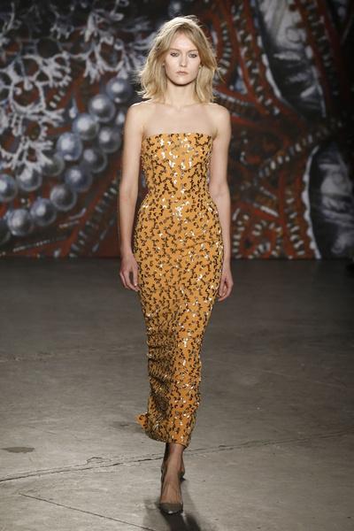 Самые роскошные вечерние платья Недели моды в Нью-Йорке | галерея [2] фото [12]
