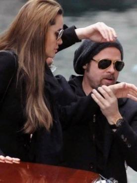Джоли и Питт переехали на 3 месяца в Венецию