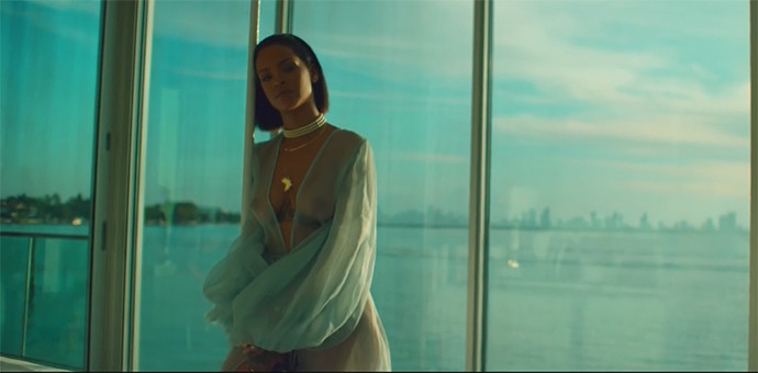 Рианна выпустила новое провокационное видео на песню Needed Me