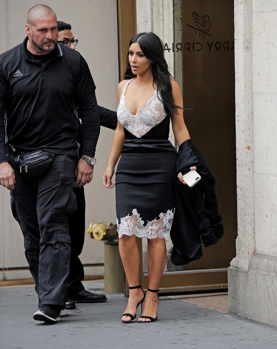 Образ дня: Ким Кардашьян в Céline