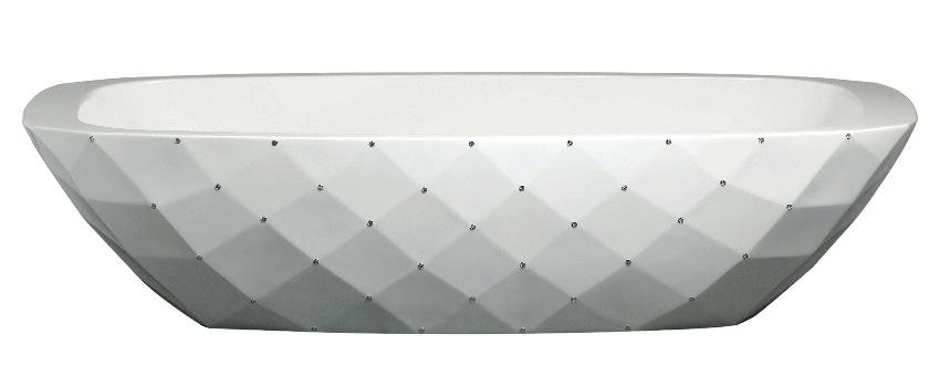 Ванна с декором, имитирующим капитоне.