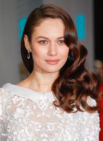 Ольга Куриленко: прическа и макияж
