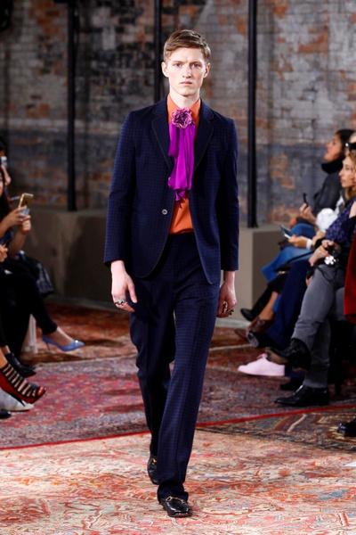 Дом Gucci представил новую круизную коллекцию 2016 | галерея [2] фото [30]