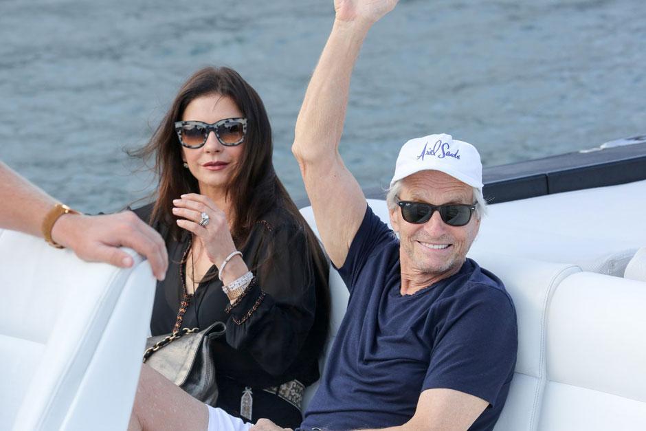 Майкл Дуглас и Кэтрин Зета-Джонс отдыхают в Сен-Тропе