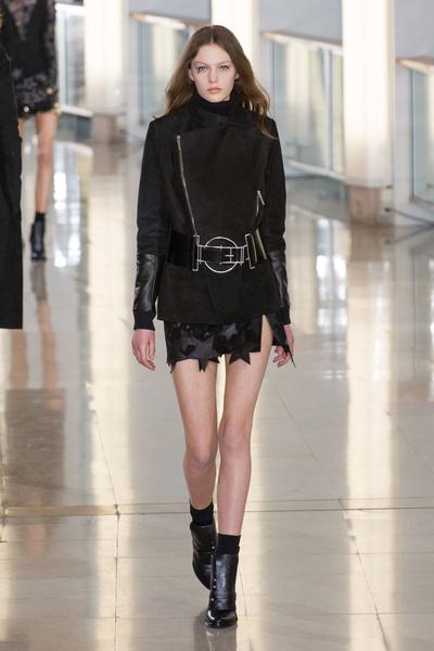 Показ Anthony Vaccarello на Неделе моды в Париже | галерея [2] фото [21]