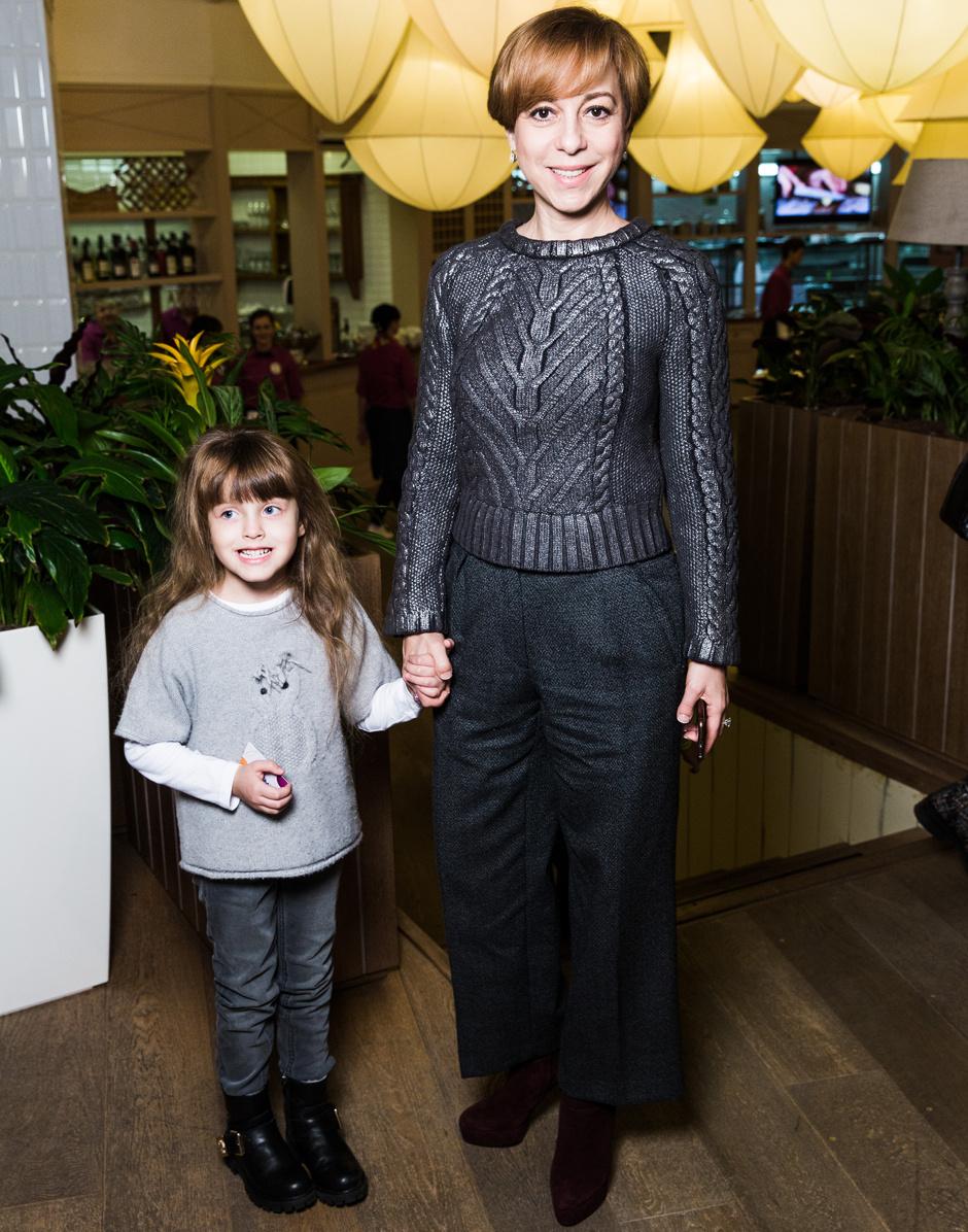 Марианна Максимовская с дочерью Евгенией