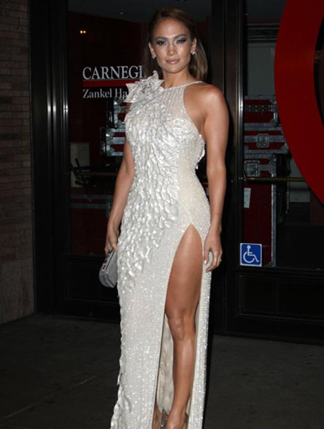 Дженнифер Лопес в платье Atelier Versace