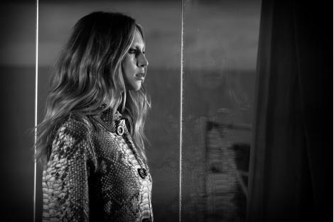Дочь Шона Пенна Дилан стала лицом бренда Ermanno Scervino | галерея [1] фото [2]