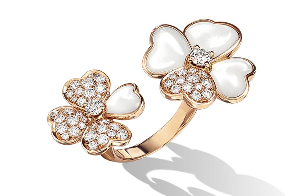 Кольцо, розовое золото, бриллианты, перламутр, Van Cleef & Arpels.