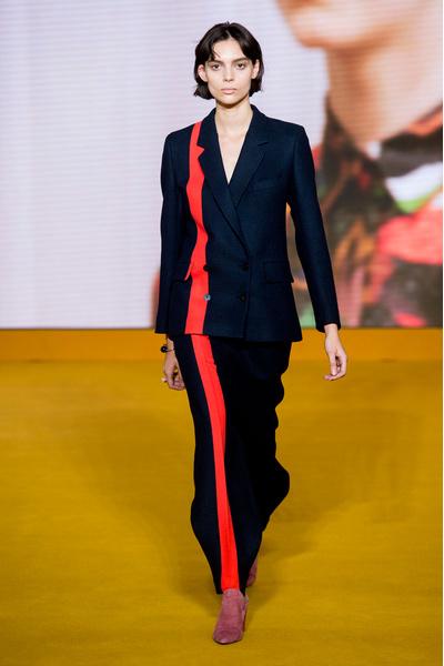 Самые красивые образы Недели моды в Лондоне | галерея [1] фото [35]