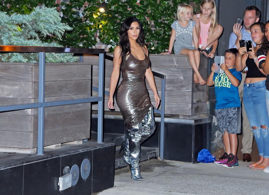 Ким Кардашьян на концерте Канье Уэста в Нью-Йорке