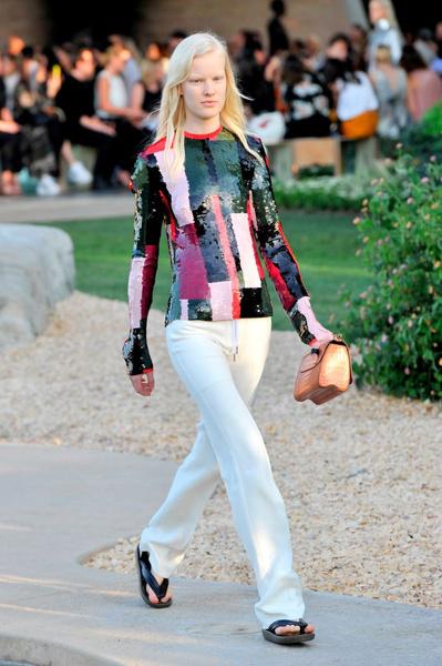 Показ круизной коллекции Louis Vuitton в Палм-Спринг | галерея [1] фото [1]