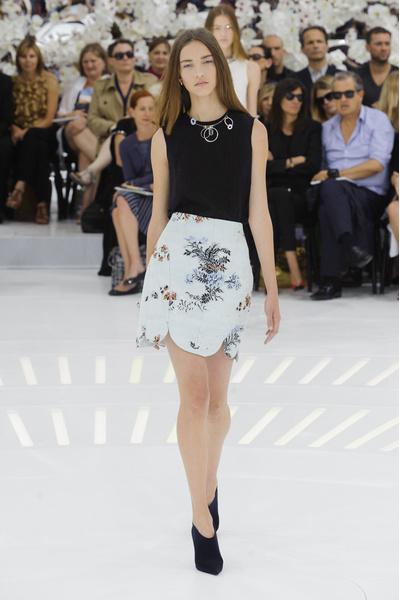 Показ Christian Dior на Неделе Высокой моды в Париже