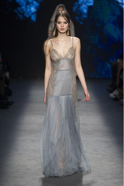 Самые красивые образы Недели моды в Милане | галерея [1] фото [25]