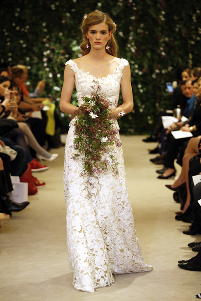 Показ Carolina Herrera на Неделе свадебной моды в Нью-Йорке | галерея [1] фото [20]