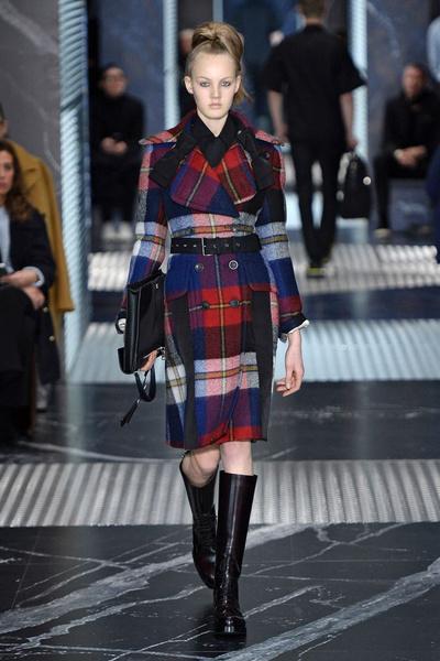 Бренд Prada представил на Неделе мужской моды в Милане сразу две коллекции | галерея [3] фото [8]