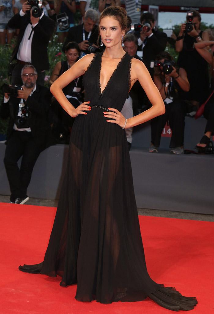 Алессандра Амбросио на Венецианском кинофестивале