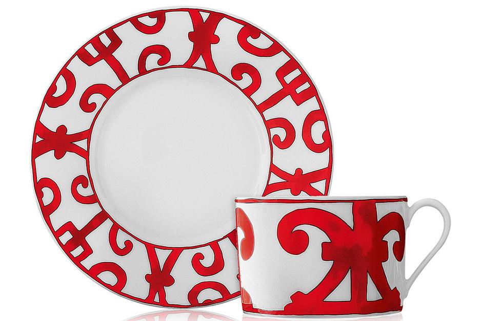 Чашка с блюдцем из коллекции Balcon du Guadalquivir, Hermès, бутики Hermès, 17 700 руб. за 2 пары.