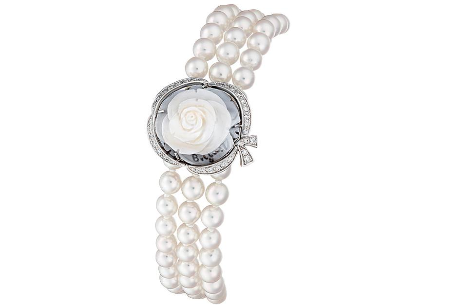 Браслет La Rose de la Reine, белое золото, бриллианты, камея, жемчуг, Breguet.