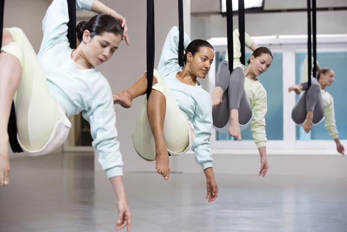 Йога в воздухе, йога-antigravity, йога в гамаках
