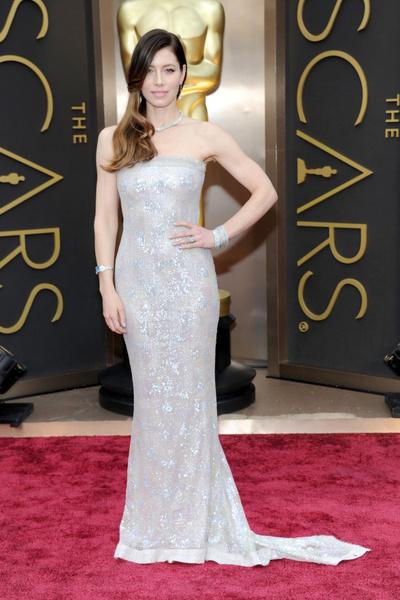 Джессика Бил в Chanel Couture