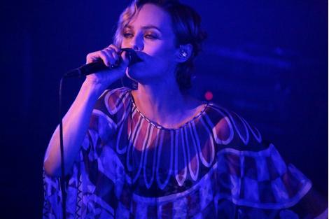 Ванесса Паради дала закрытый концерт после шоу ChanelВанесса Паради дала закрытый концерт после шоу Chanel