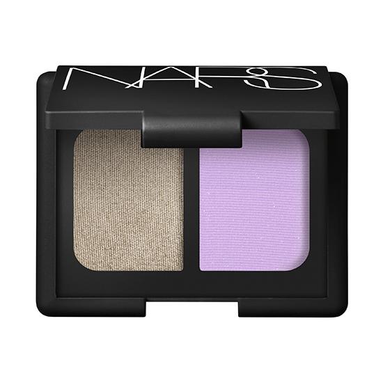 Новинки макияжа: тени для век